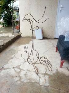 ציפור על יד ופרח צבר. עבודה לא גמורה.